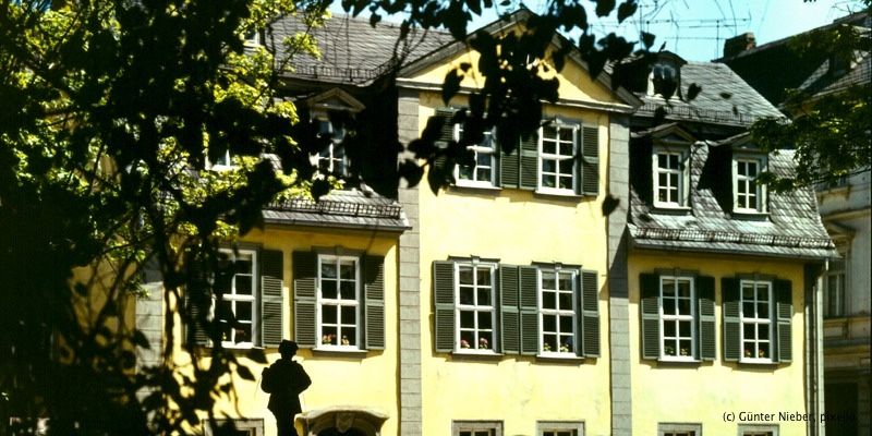 schillerhaus schillers wohnhaus weimar sehensw rdigkeiten weimar eve tourist information. Black Bedroom Furniture Sets. Home Design Ideas